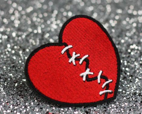 http://hdwallpapersuk.com/broken-heart-wallpapers/